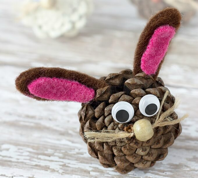 Pine cone DIY bunny craft ideas DIY Bunny Craft Ideas & Video Tutorials