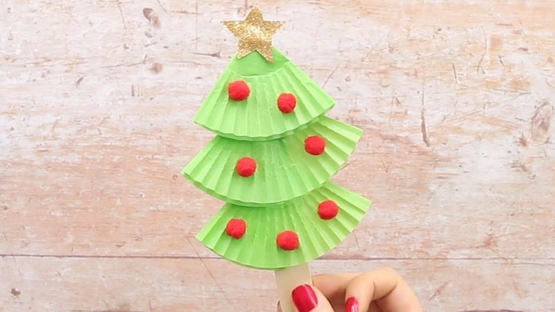 Cupcake Liners Christmas Tree Craft for Kids