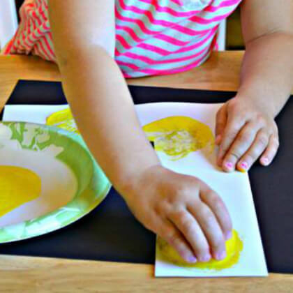 Stamp printing with large potatoes and limes Yellow Crafts for Toddlers