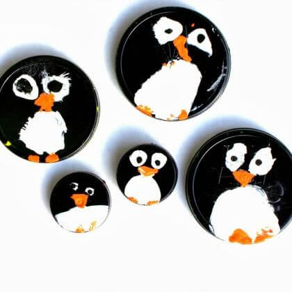 Penguin crafts for kids using saucers Penguin Craft Ideas for Kids