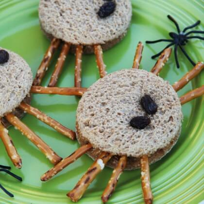 Tasty toasts with pringles DIY Fall Snacks for Kids