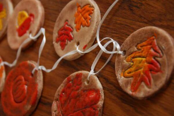 Hang ons that give you hang over - Leaf Crafts for Preschoolers