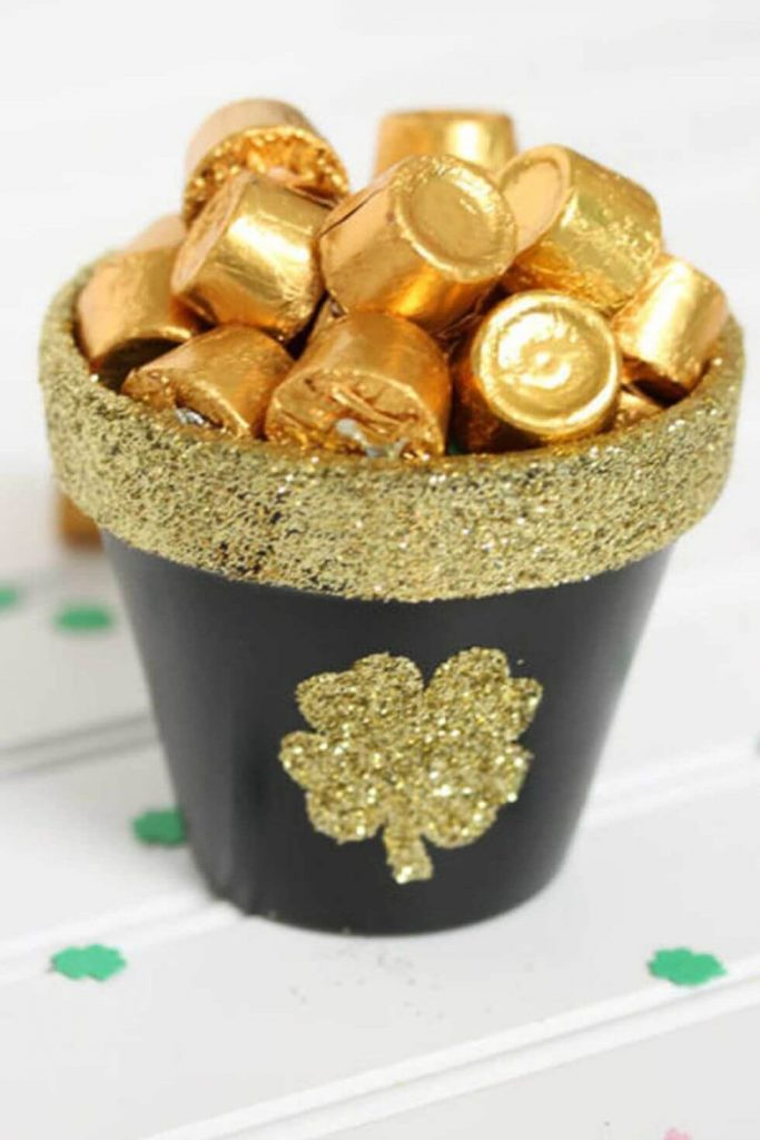 Chocolate presents for St. Patrick's Day - St. Patrick's Day Crafts for prechool kids