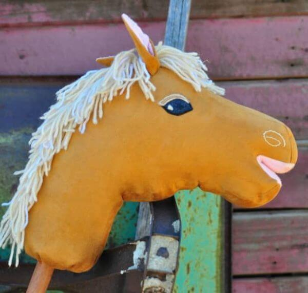 Stick Horse Craft - Adorable Horse Craft Ideas to Have Fun with toddlers, preschool kids