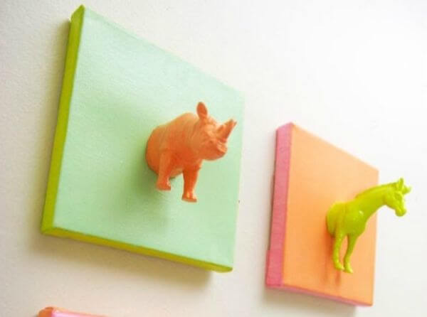 Simple Plastic Animals Craft - Adorable Horse Craft Ideas to Have Fun with toddlers, preschool kids