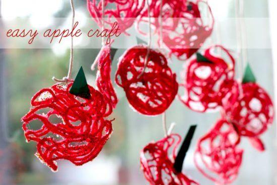 Easy Wall Hanging Apple Craftfor Preschoolers