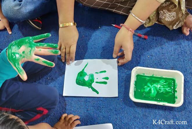 Green day crafts for kids, toddlers, preschool - Little Hand Print With Green