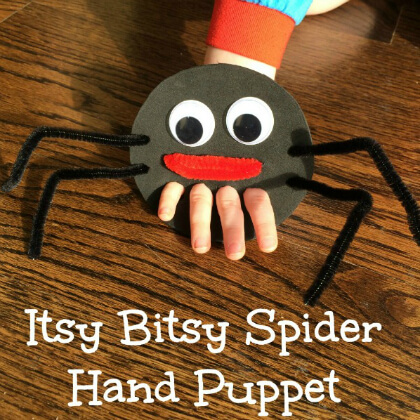Spider hand Easy puppet making crafts DIY Puppet Making Crafts Kids Will Love