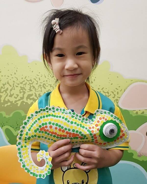Easy to makepretty chameleon craft project idea