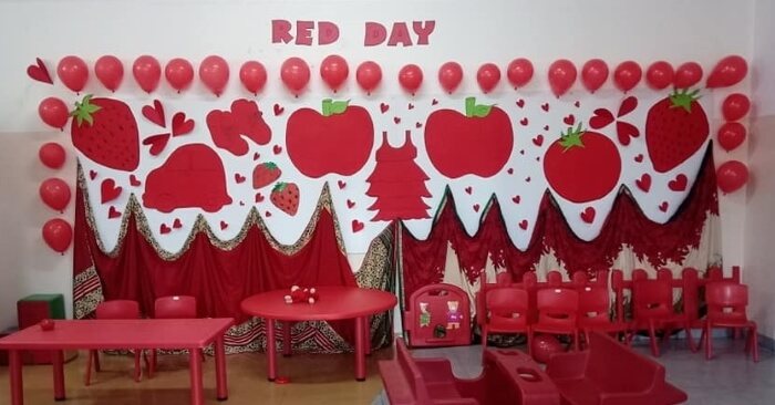 Red Day Curtain & Balloons