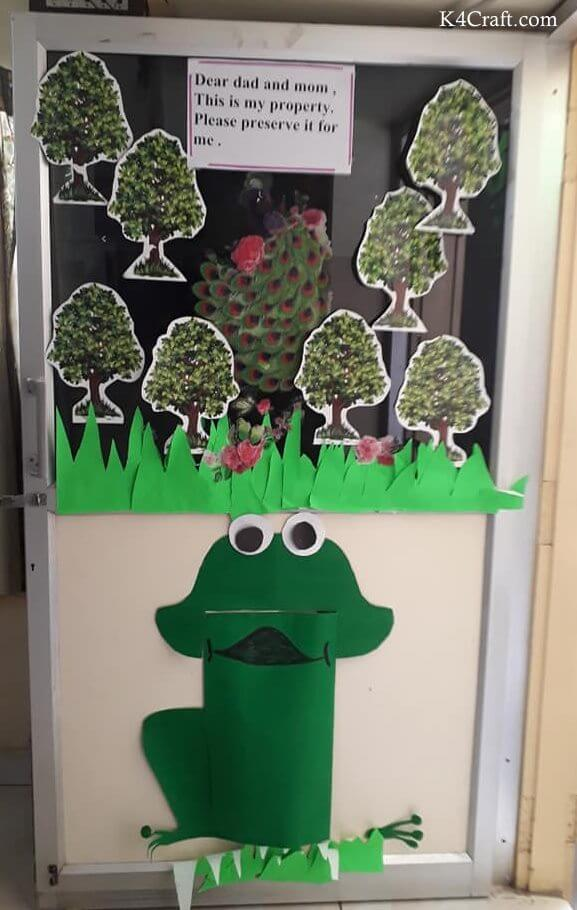 Green day crafts for kids, toddlers, preschool - Green Color Day Frog Door