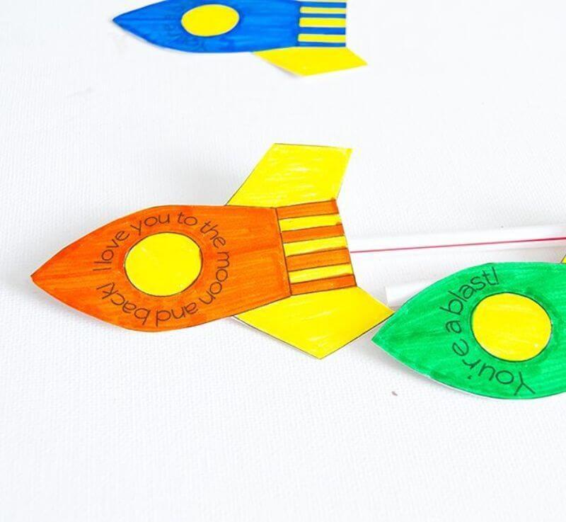 Beautiful Straw Rocket Cute crafts for kids!