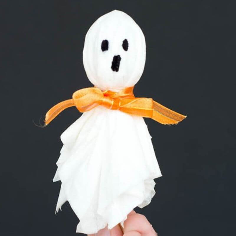Easy to make Lollypop Ghosts Crafts
