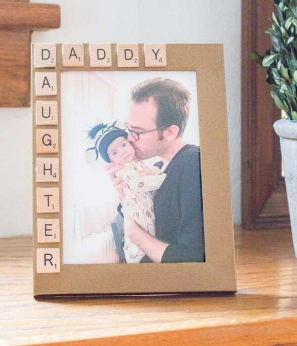 Pretty Scribbled Photo Frame Father's Day Gift Craft Idea